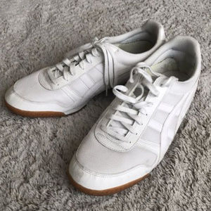 Onitsuka Tiger Low Top Trainers
